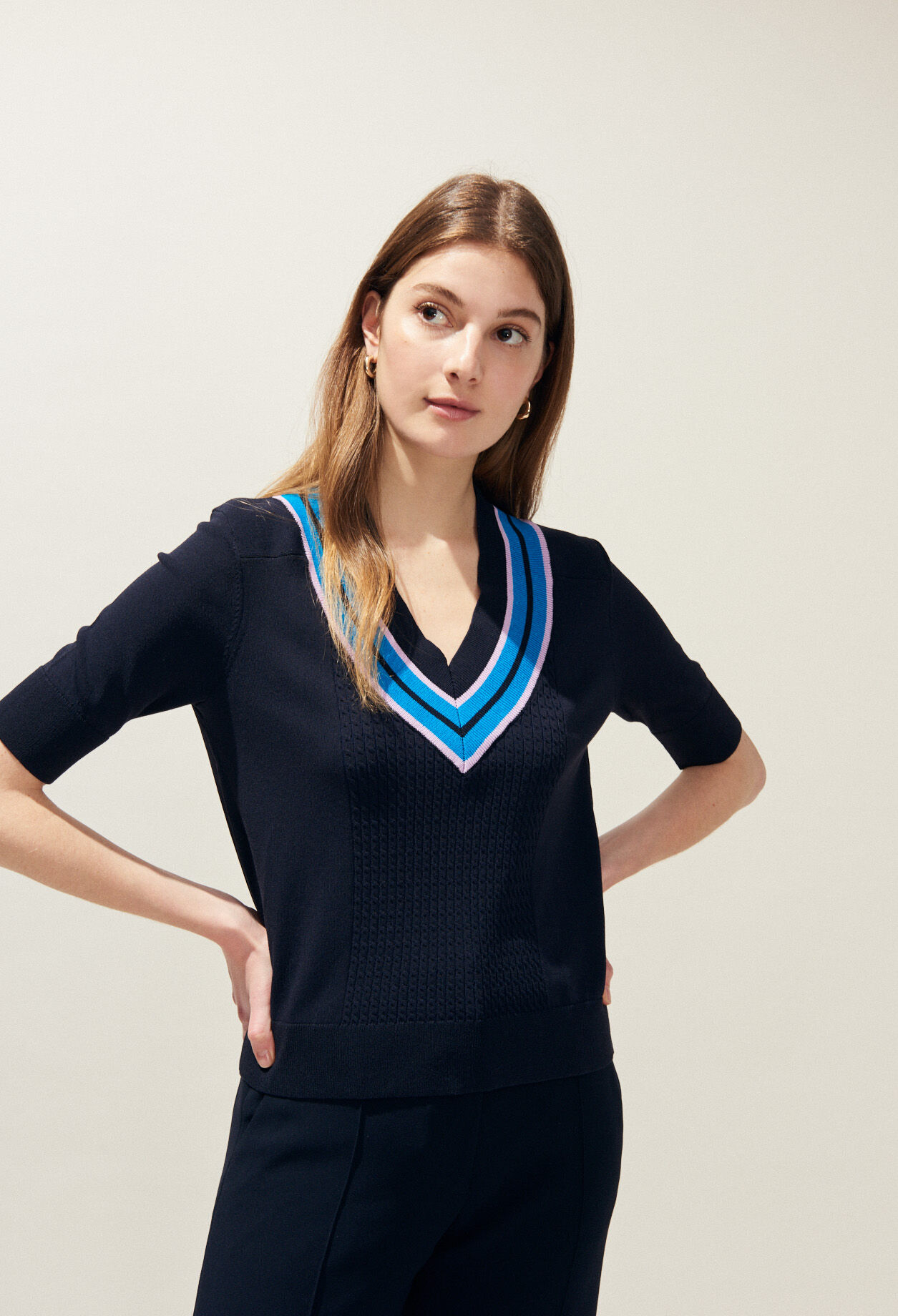 Pull manches courtes col V