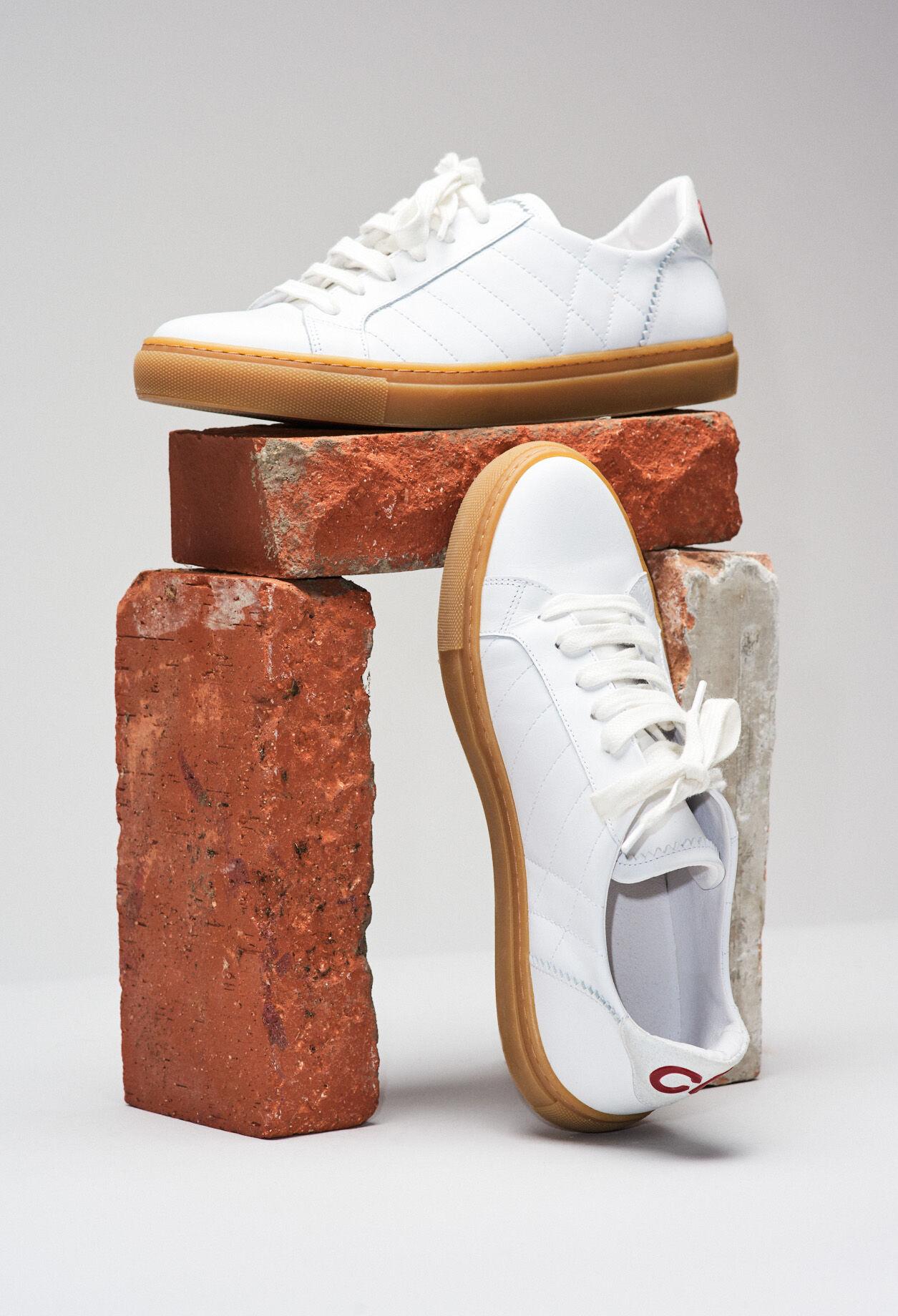 Basket cuir blanche semelle contrastée