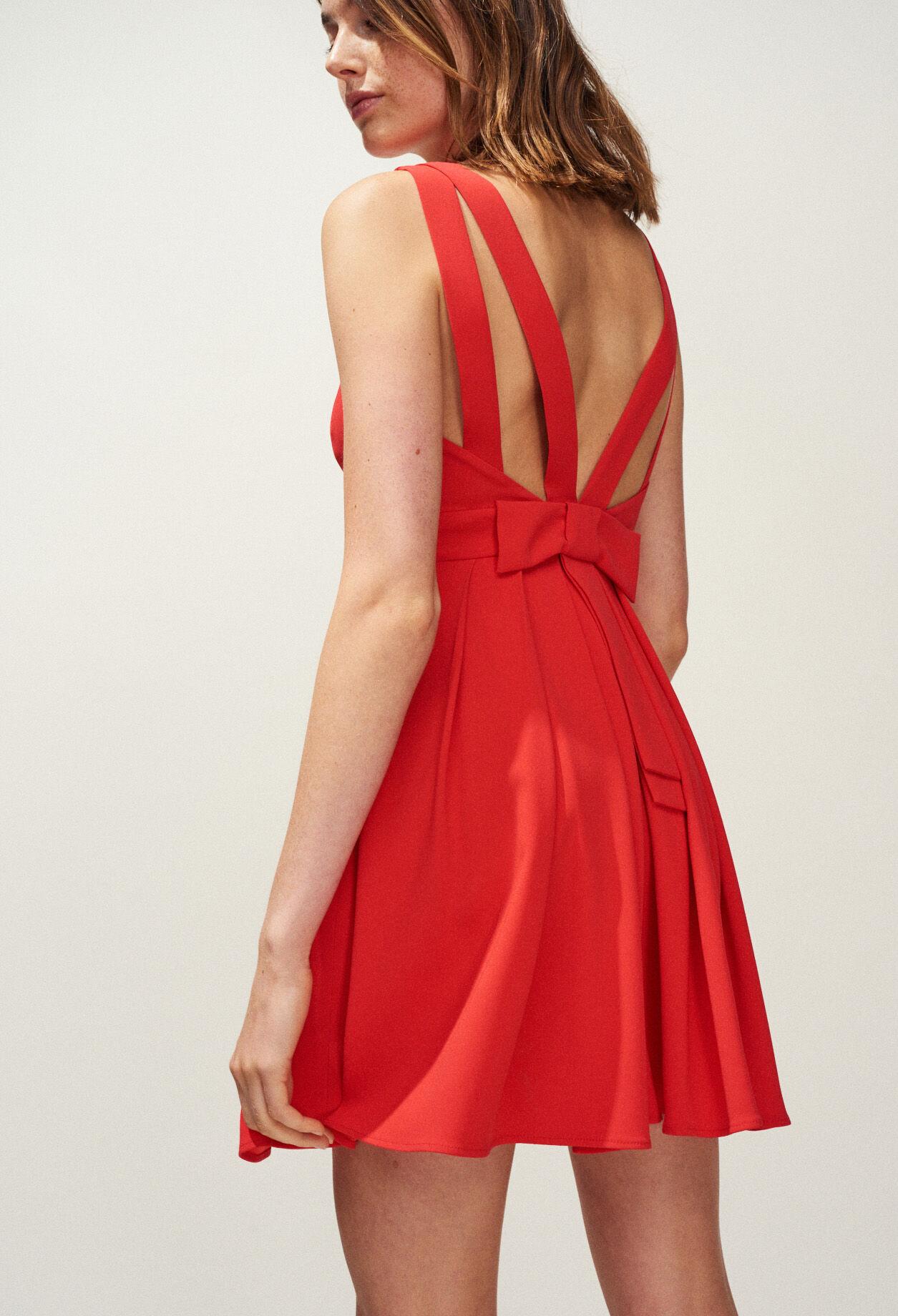 La robe rouge saint montant