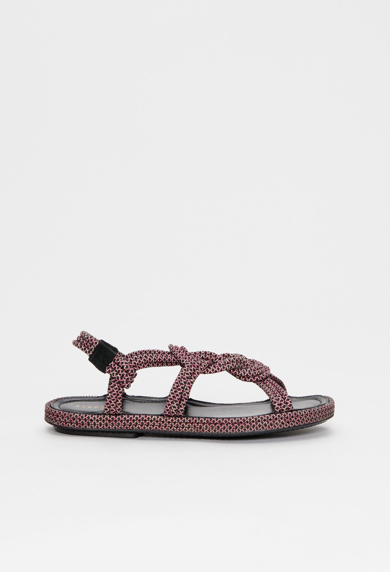 Sandale plate à brides